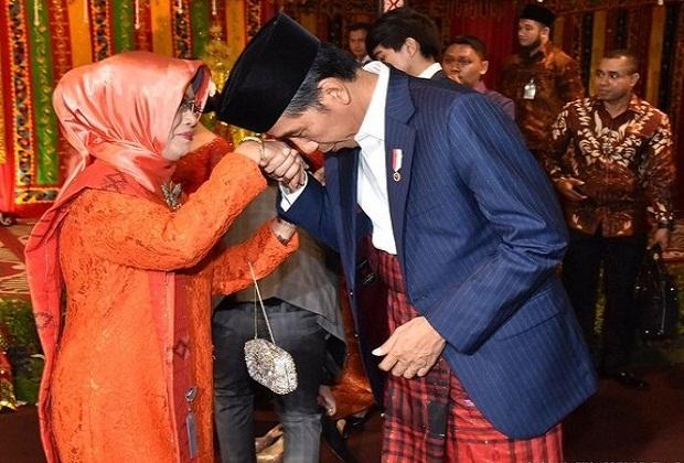 Ibunda Presiden Joko Widodo ( Jokowi )Meninggal Dunia Saat Usianya 77 tahun.