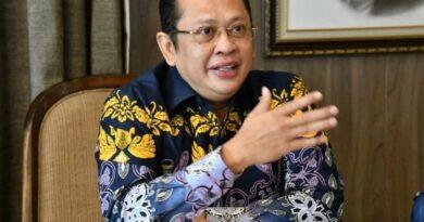 Ketua MPR Menkeu Srimulyani Batalkan Rencana Pajak Sembako dan Pendidikan